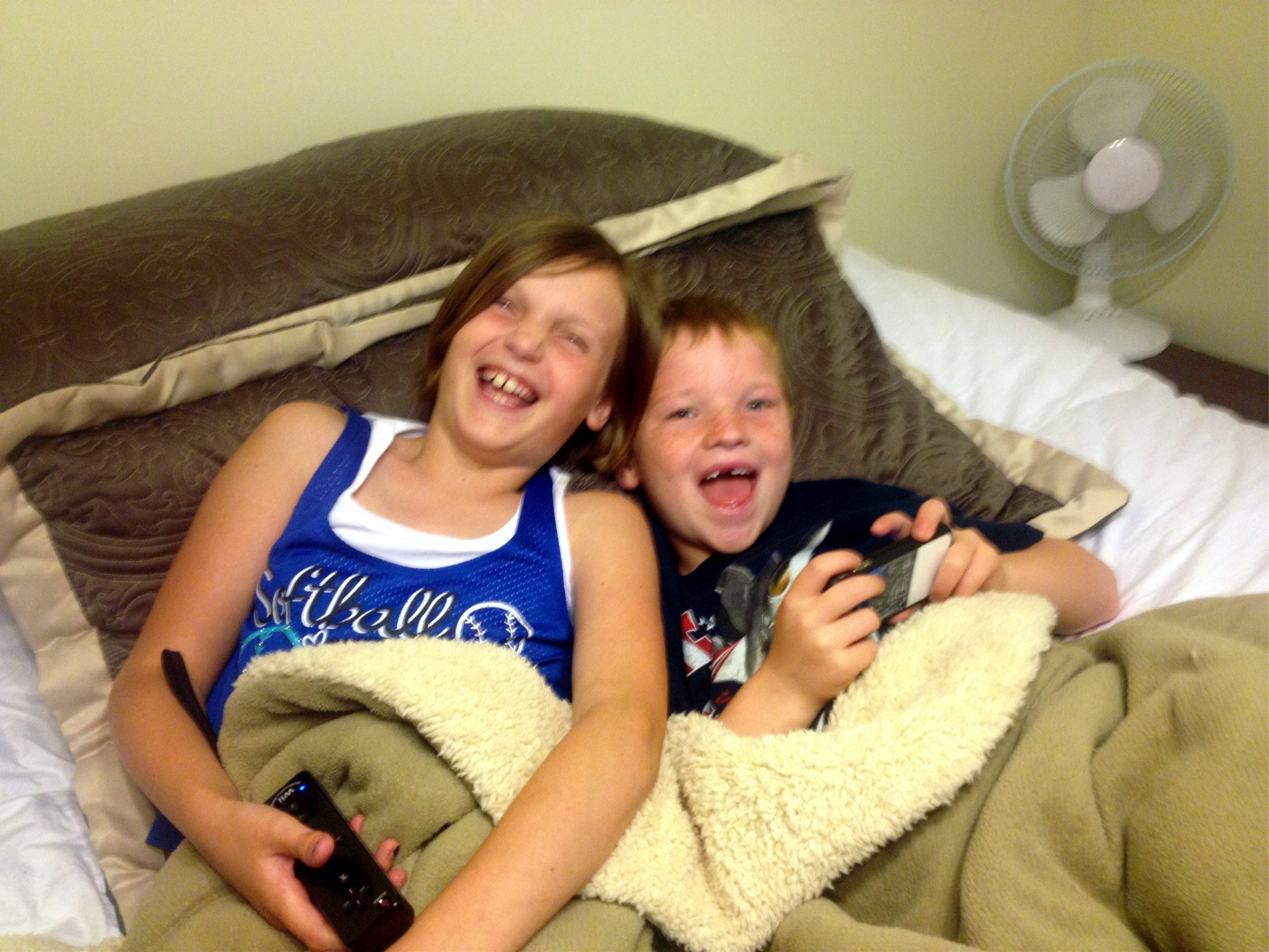 morgan_and_noah_bed_img_0309.jpg